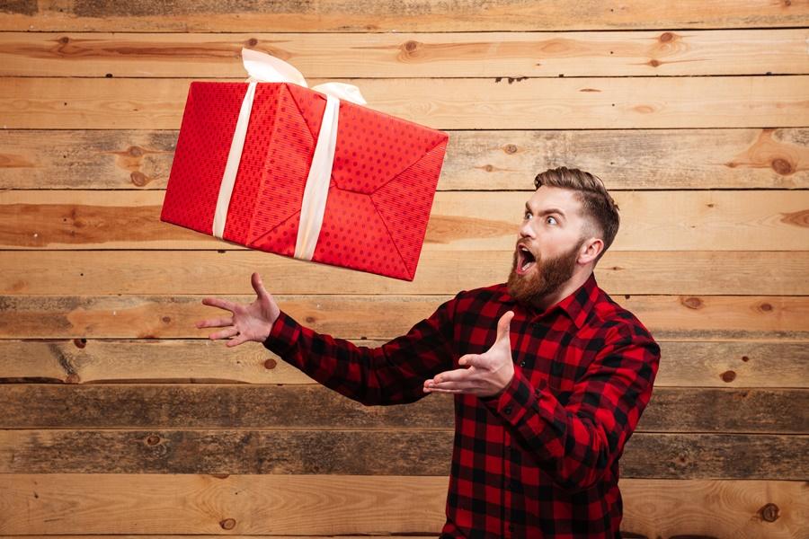 10 remek ajándéktipp, ha nem tudod mivel lepj meg egy férfit
