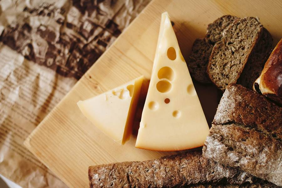 kenyérsütés konyhai kisgéppel, kenyérsütővel